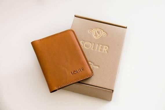 Elegancki brązowy skórzany męski portfel SOLIER SW01B