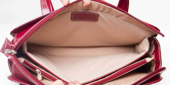 "Skórzana Torba damska Alexis z klamrą, na laptopa ze skóry naturalnej, czerwona 15,6"""