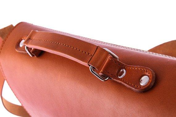Teczka skórzana na ramię koniakowa z funkcją plecaka 3w1 Vintage P13